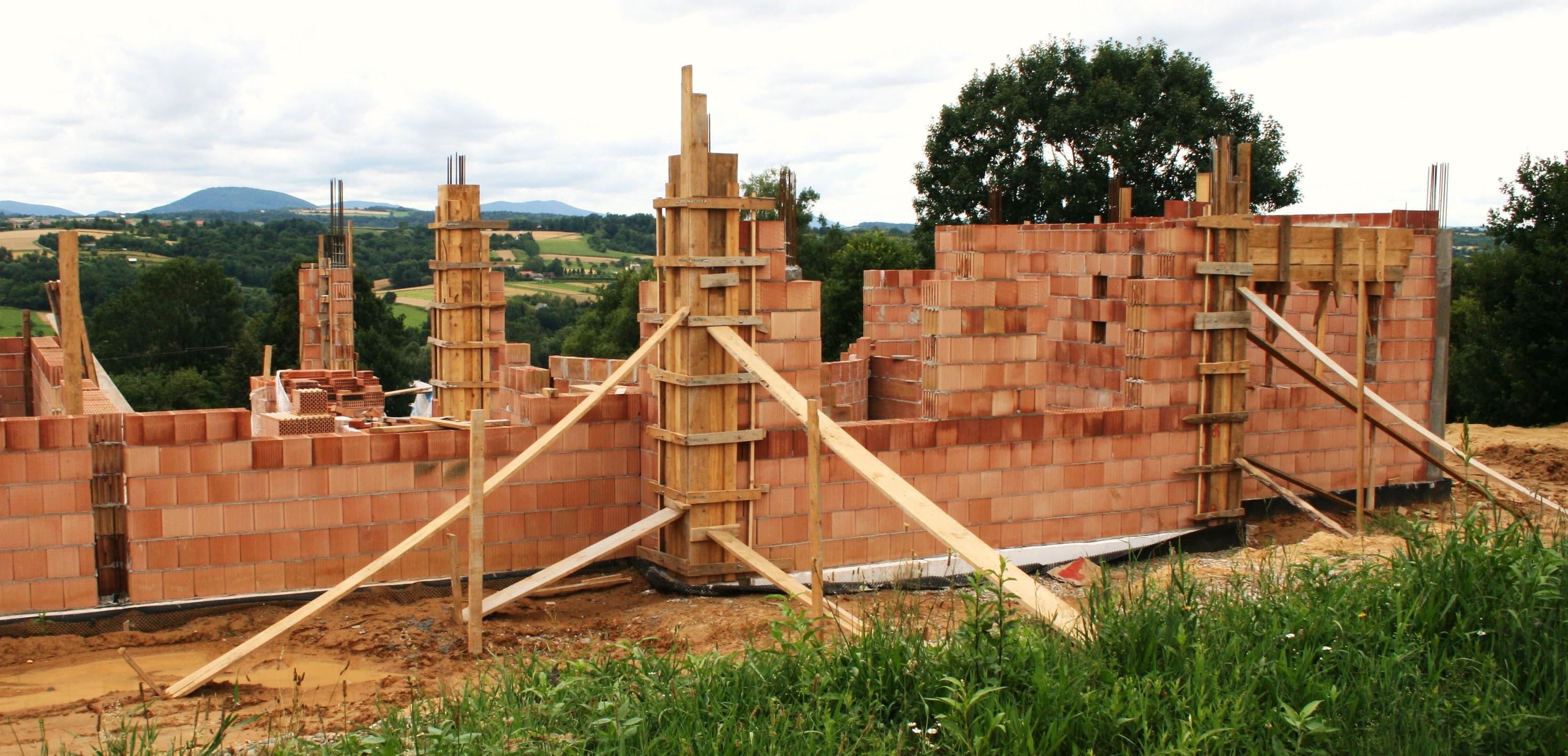 Budowa domu - niwelacja terenu